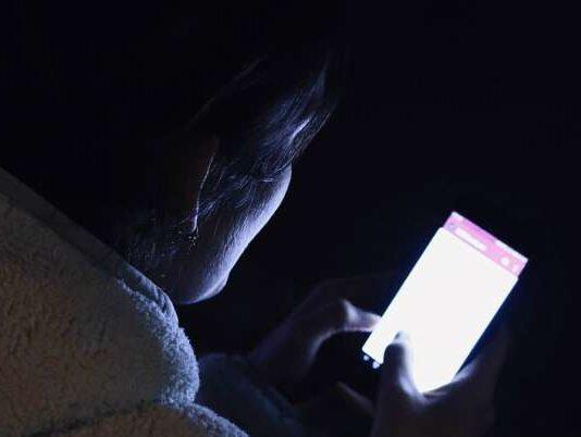mobile use before sleeping